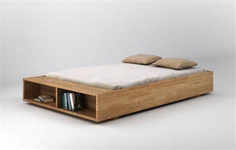 futon holz minimalistisches bett aus holz im industrial stil