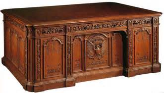Presidents Desk by The District Of Calamity Obama S Inconsiderate Quot Resolute