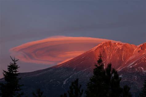 mountain shasta weather closeup of lenticualr at sunset the peak of mt shasta by livingshasta photo weather
