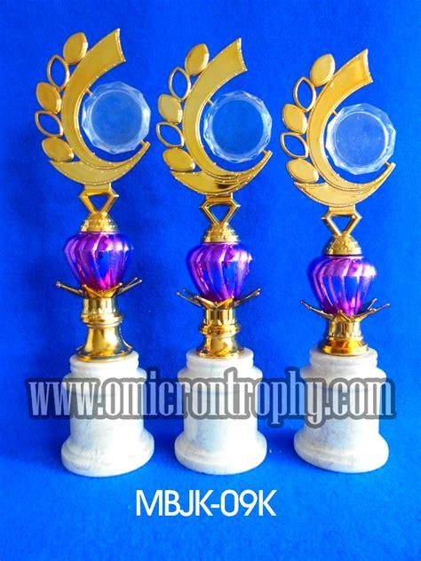 Crown Malang harga piala surabaya tempat pembuatan piala marmer malang