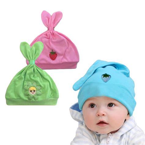 Topi Sepatu Kelinci Newborn Putih 1 topi bayi bentuk kelinci newborn 6m motif lucu elevenia