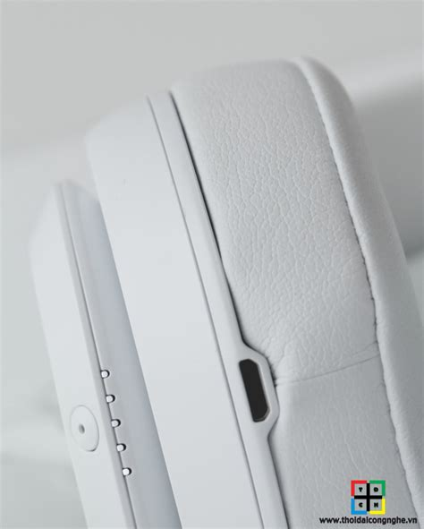beats by dr dre studio v2 2013 new version replica beats studio 2013 v2 by dre ch 237 nh h 227 ng snarkitecture
