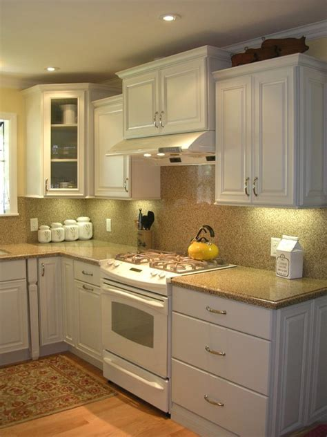 Decorating Ideas For Kitchens With White Appliances Traditional Kitchen White Cabinets White Appliances Design