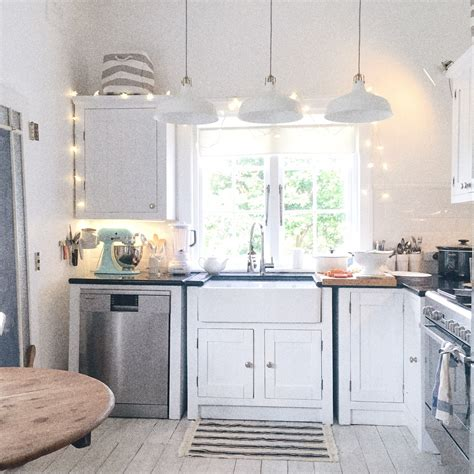 A Beach Cottage Kitchen Update 171 Life By The Sea Life By Coastal Cottage Kitchen