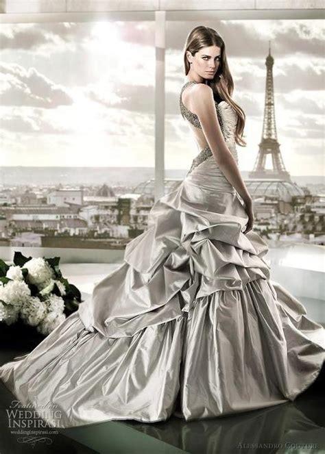 Extravagante Brautkleider by Extravagant Wedding Dresses Plumede