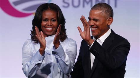 michelle obama netflix barack michelle obama pen deal with netflix