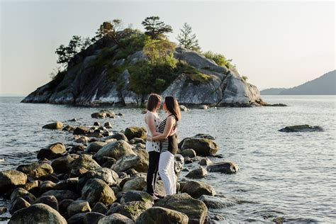 WHYTECLIFF PARK ENGAGEMENT PHOTOGRAPHER PREVIEW   BIANCA & MINDY