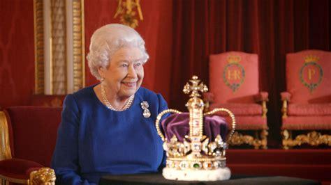 queen elizabeth biography in hindi queen elizabeth speaks in new coronation documentary