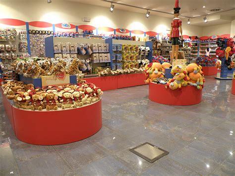 negozio arredamento arredamento negozio giocattoli e hobby