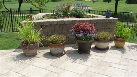 Pool Planters by Seat And Retaining Walls Legacy Custom Pavers