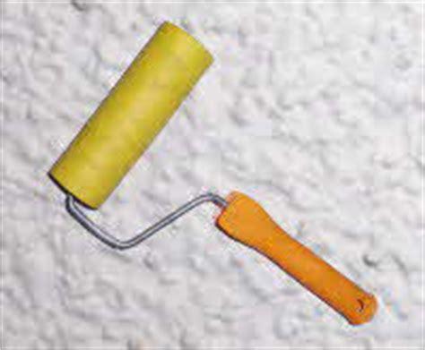 strukturputz innen streichen kratzputz auftragen und streichen