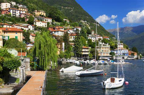 sailboats italy things to do in lake como italy travel tips expat
