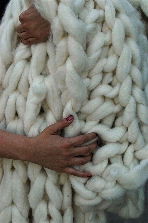 how to make a chunky knit blanket how to make chunky knitted blankets craft projects for