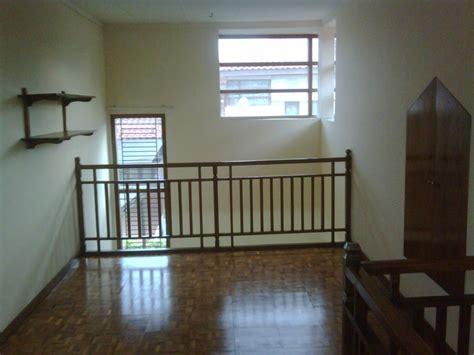 rumah disewakan disewakan rumah model parahyangan  taman ubud kencana lippo karawaci