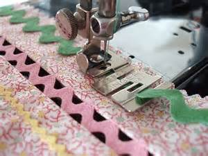 how to easily sew rick rack using an edge stitcher foot