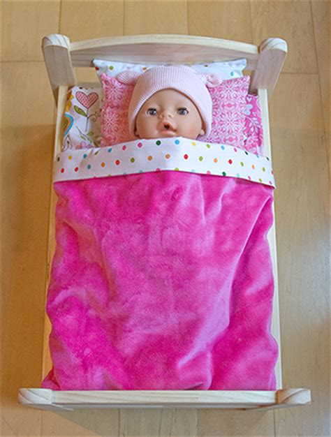 baby bedding patterns free doll bedding pattern baby born 174 doll in bed wollyonline blog