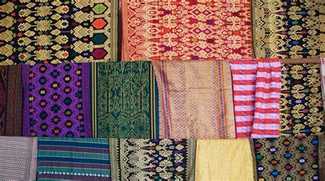 Songket Khas Lombok sukarara desa penghasil kain tenun khas lombok