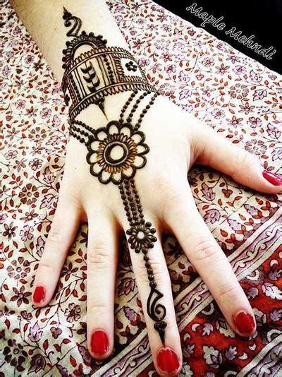 henna art untuk kulit sawo matang makedes com 7 tips agar henna tak mudah pudar cosmetics beautynesia