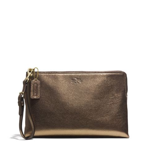 Clucth Coach coach bleecker large pouch clutch in metallic leather in metallic lyst