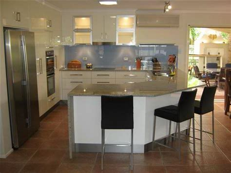 How To Design A Small Kitchen Layout 12 Best G Shaped Kitchen Layout Design Its Pros Cons