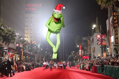 hollywood christmas parade  route map