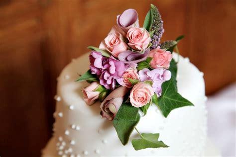 Asian Wedding Checklist Uk by Wedding Cake Checklist Confetti Co Uk