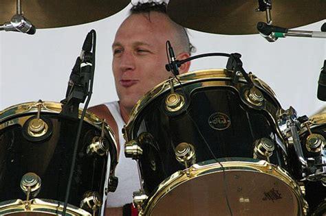 sheck wes drum kit drummerworld stephen perkins drummergallery