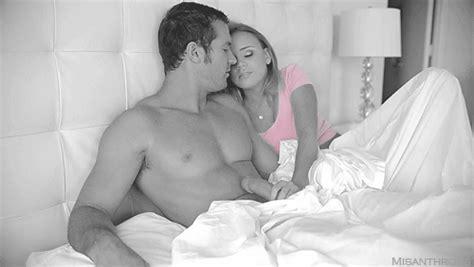 Kissing Handjob Girls Get Naked On Cam