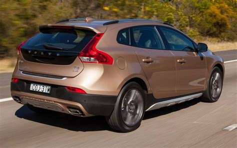volvo  cross country  awd launch review