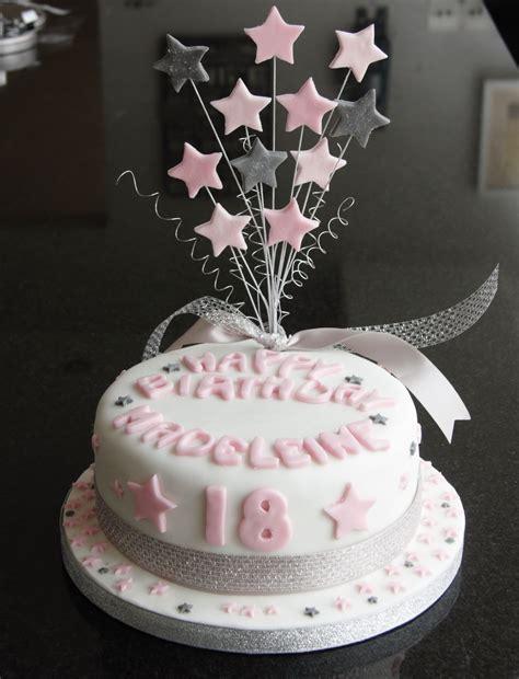 18 geburtstag kuchen 18th birthday cake and cupcakes lovinghomemade