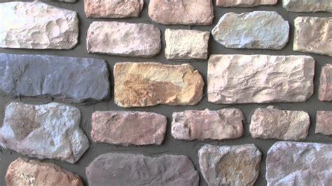 piastrelle finto sasso petrabond index spa applicazione in verticale di