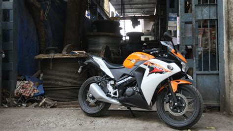 honda cbr bike price and mileage 100 honda cbr 150cc bike mileage honda cbr 150r vs
