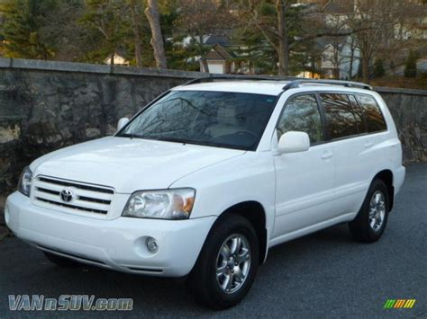 2005 Toyota Highlander V6 2005 Toyota Highlander V6 In White 075808