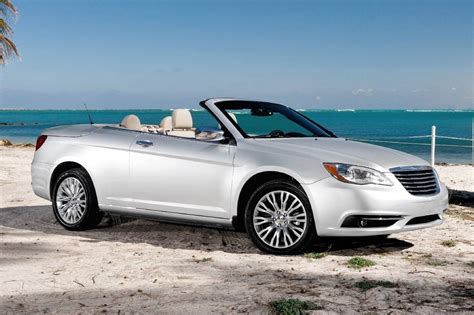 200 chrysler convertible used 2014 chrysler 200 convertible pricing for sale