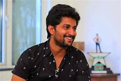 actor nani actor nani s car hits pole in jubilee hills escapes