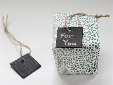 chalkboard diy gifts diy chalkboard gift tags