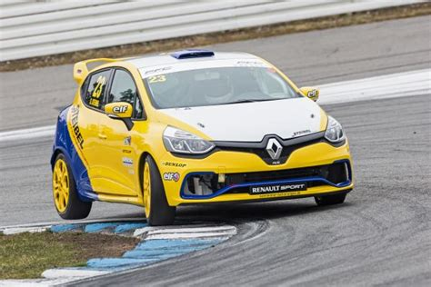 Schnellstes Auto Europa by Renault Clio Cup Central Europe Eberle Schnellster Bei