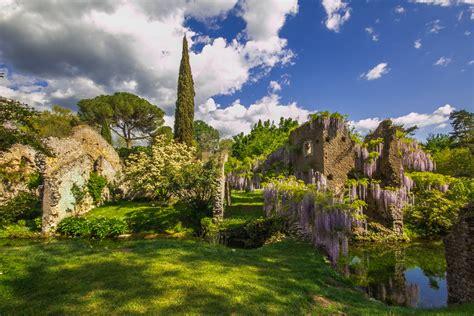i giardini di ninfa giardino di ninfa una passeggiata nel pi 249 bel parco mondo