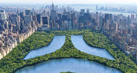 New York Big Size Set Kaoscelana size in the park at central park new york city usa
