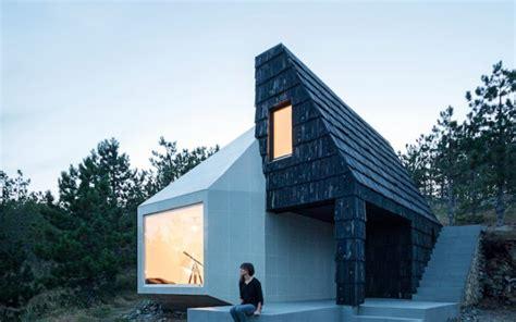 libro the hinterland cabins love in un libro le pi 249 belle architetture immerse nella natura sky arte sky