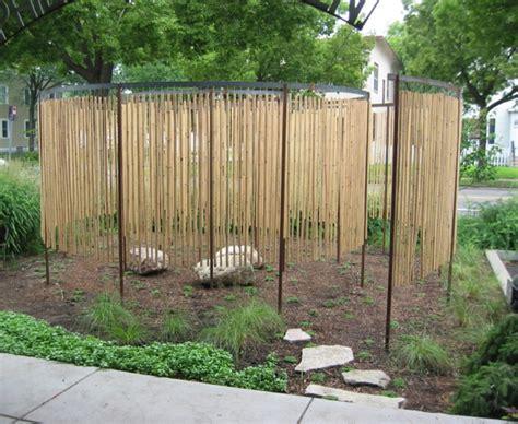 schöne hinterhof pools dekorieren zaun idee