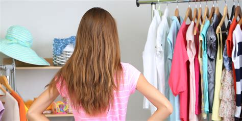 how to organize your closet for