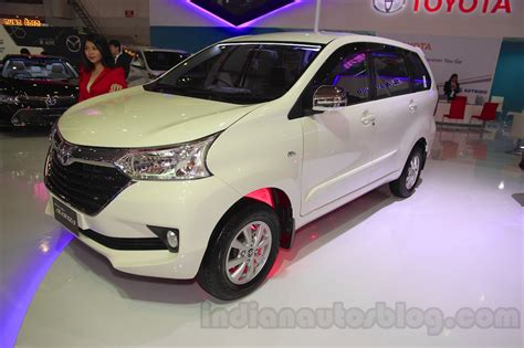 Lu Kabut Grand New Avanza toyota grand new avanza and grand new veloz iims 2015 live