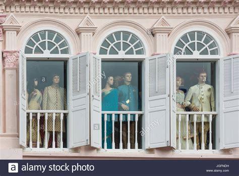 len im fenster republik singapur schaufensterpuppen im fenster
