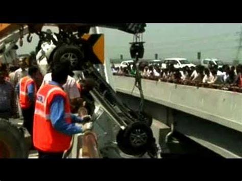 Yamuna Expressway Also Search For Sri Lankans Injured In In India One Still Critical