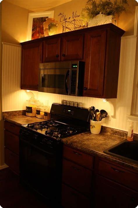 lights above kitchen cabinets 1000 images about diy lighting on pinterest led diy light and ls