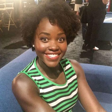 radio katwe 2015 lupita nyong o debuts curly afro at disney expo eurweb