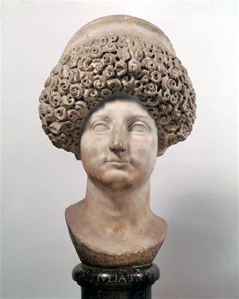 ancient roman women hairstyles roman women dress in ancient greece rome