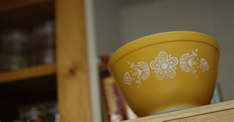 pyrex collective iii the great gravy boat giveaway - Gravy Boat Giveaway