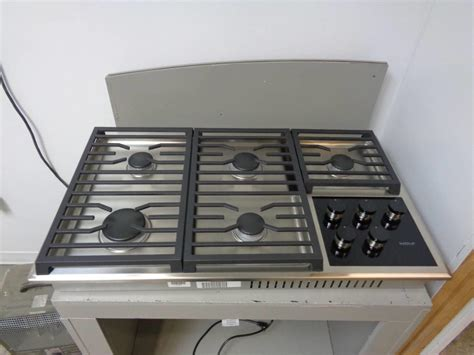 36 wolf cooktop wolf cg365ts 36 inch 5 dual stacked sealed burners